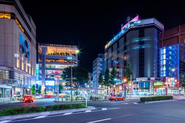 夜の恵比寿駅